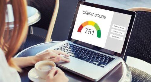 unseriösen Kreditvermittlern und Finanzsanierern im Internet