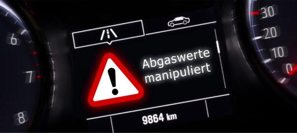 """Warnhinweis im Auto mit der Nachricht """"Abgaswerte manipuliert"""""""