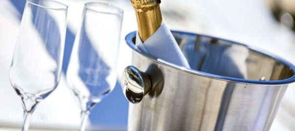 Champagner als Symbol für ein Urteil aus dem Verkehrsrecht